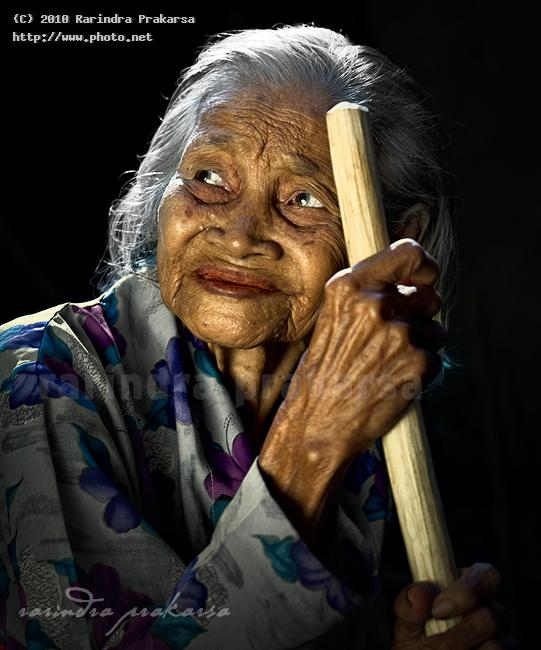at age of years wrinkle old seeking critique prakarsa rarindra
