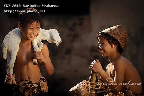 at the village smile simple traditional indonesia seeking prakarsa rarindra