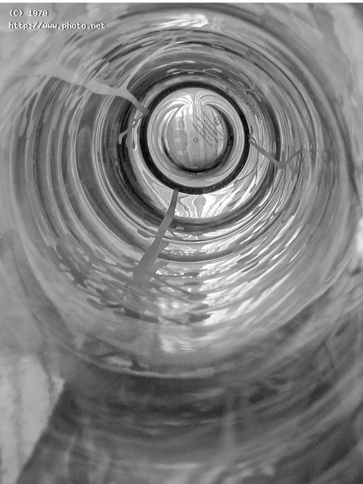 circles abstract bw black white seeking critique vazquez efren