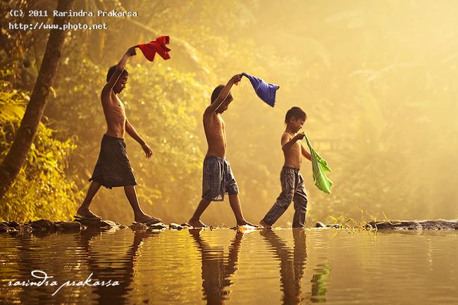 happiness in the village indonesia river boy kids happy asia color prakarsa rarindra