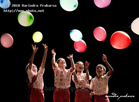 happy colour color ballon happines cheer seeking c prakarsa rarindra