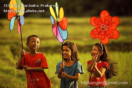 happy colour enjoy joy color children warm prakarsa rarindra