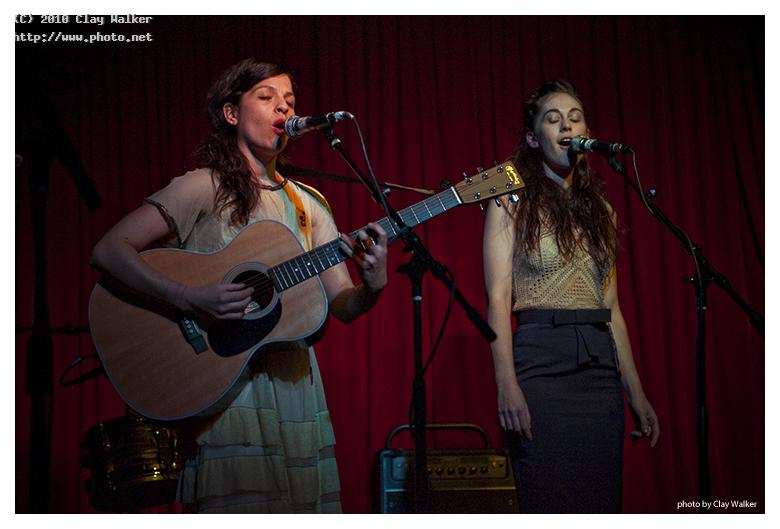 jesca hoop and nicole eva emery at the hotel cafe walker clay