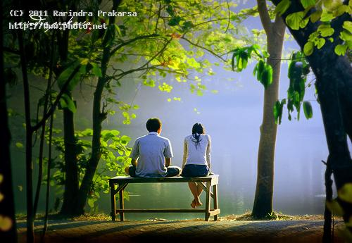l romantic indonesia garden love couple prakarsa rarindra