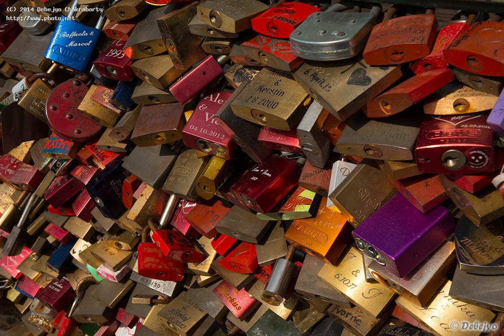 lovers locks chakraborty debejyo