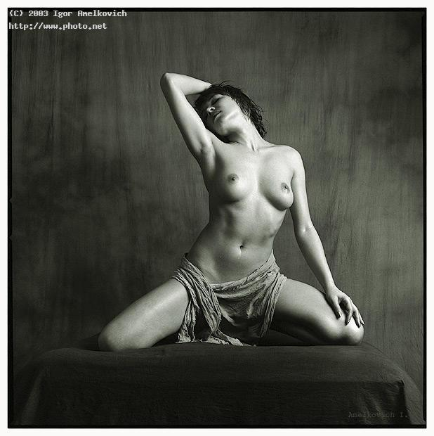 naked on a lap nude fomapan hasselblad cw carl zeiss amelkovich igor