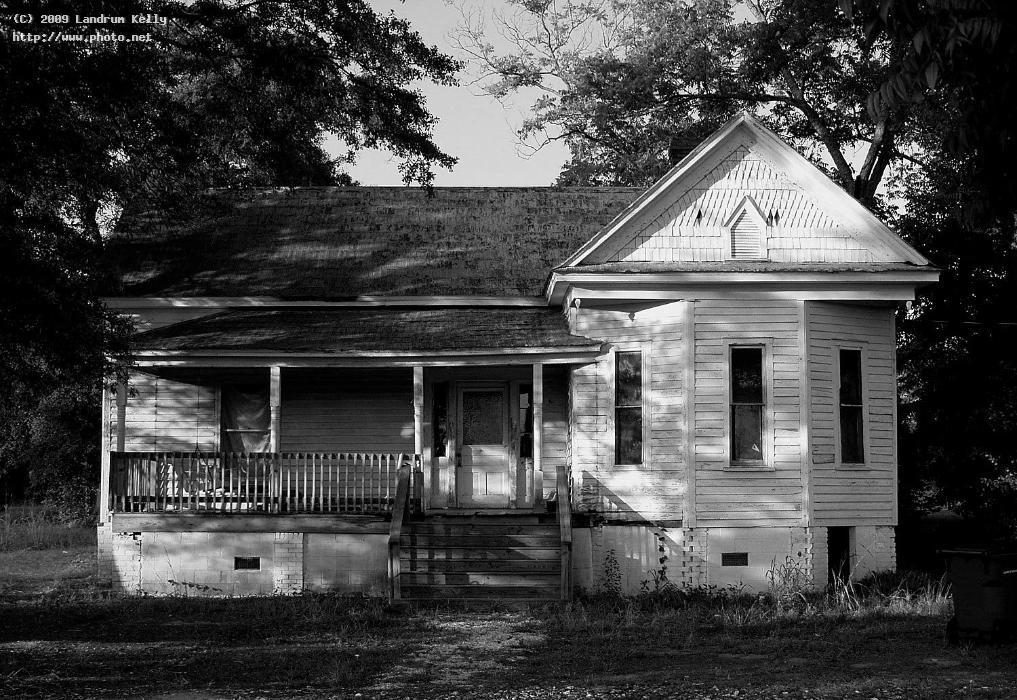old house late afternoon mccormick sc bw kelly landrum
