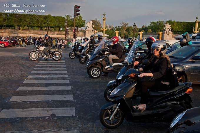 place de la concorde motorcycle traffic square paris town barros joao
