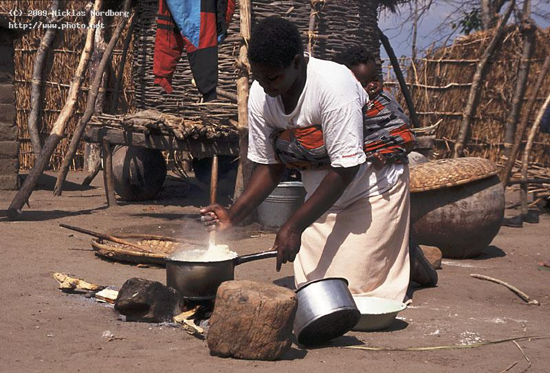 preparing the meal child cooking malawi sleeping nordborg nicklas