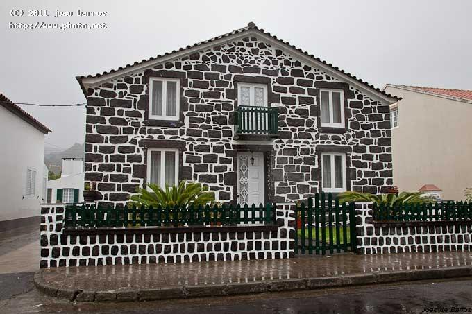 sete cidades typical house architecture azores barros joao