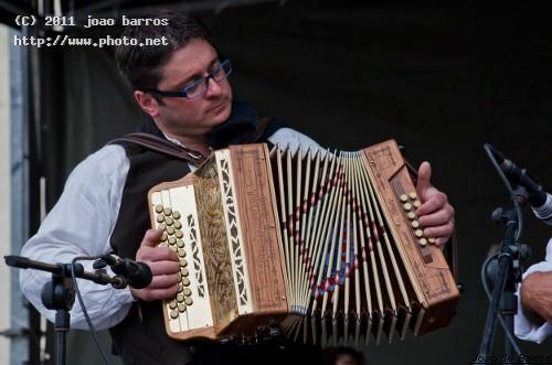 untitled concert accordion player show music barros joao